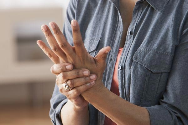 differences between fibromyalgia and arthritis
